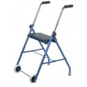 Andarilho com rodas e assento